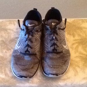 Women's Nike Free TR Flyknit size 9 training shoes